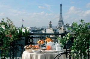jjw-luxury-hotel-paris-royal-suite-terrace-eiffel-tower-640x425